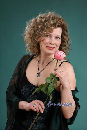 Russia, Russian women, Age: 51, Travelling, languages, opera, poetry ...