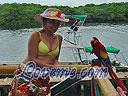 cartagena-women-boat-1104-10